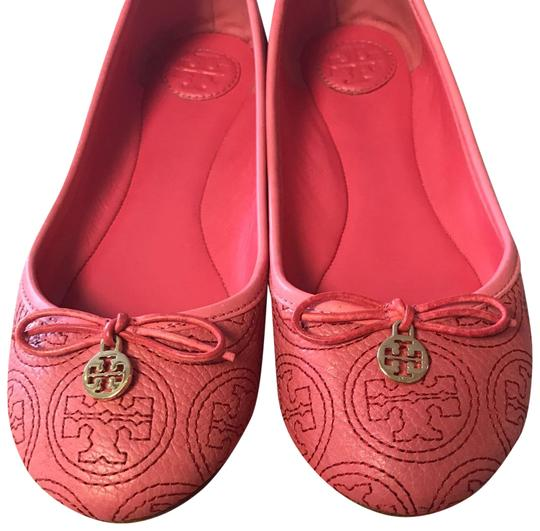Preload https://img-static.tradesy.com/item/22499393/tory-burch-coral-rose-petal-chelsea-stitched-logo-flats-size-us-7-regular-m-b-0-1-540-540.jpg