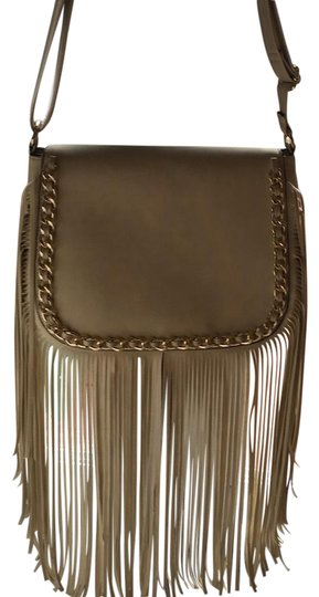Preload https://img-static.tradesy.com/item/22499402/fringe-cream-leather-like-shoulder-bag-0-1-540-540.jpg