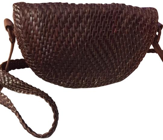 Preload https://img-static.tradesy.com/item/22499568/de-vecchi-hamilton-hodge-woven-saddle-vintage-brown-leather-shoulder-bag-0-1-540-540.jpg