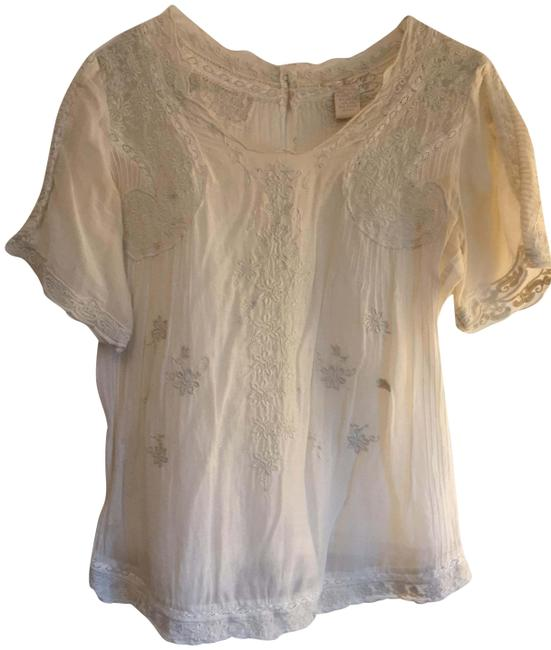 Preload https://img-static.tradesy.com/item/22499661/gold-hawk-off-white-embroidered-silk-and-cotton-blouse-size-2-xs-0-1-650-650.jpg