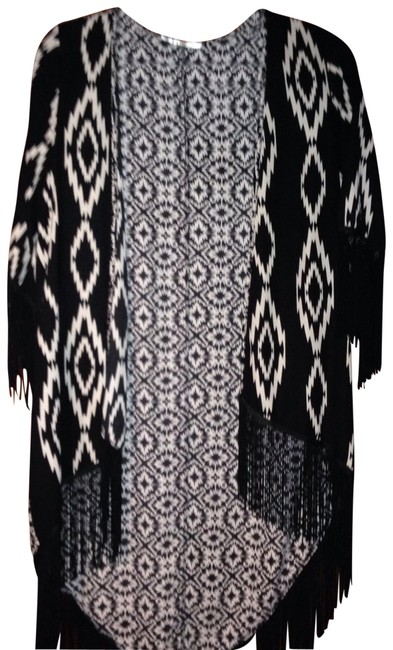 Preload https://item1.tradesy.com/images/black-white-aztec-fringed-coverup-blazer-size-4-s-22499855-0-1.jpg?width=400&height=650