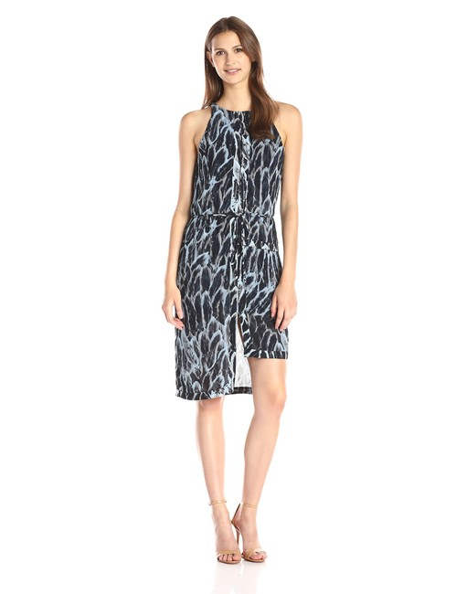 Preload https://item3.tradesy.com/images/halston-blue-feather-print-tiered-hem-mid-length-cocktail-dress-size-8-m-22500002-0-0.jpg?width=400&height=650