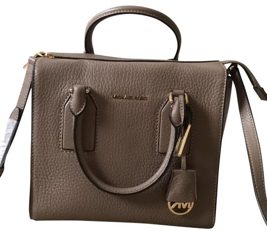 Preload https://img-static.tradesy.com/item/22500052/michael-kors-satchel-0-1-540-540.jpg