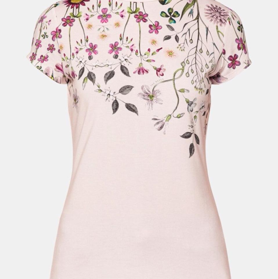 f2ffd63e26d60 Ted Baker Baby Pink Ebonie Unity Floral Fitted Tee Shirt Size 4 (S ...