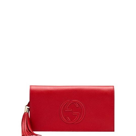 Preload https://item1.tradesy.com/images/gucci-soho-leather-red-clutch-22500310-0-0.jpg?width=440&height=440