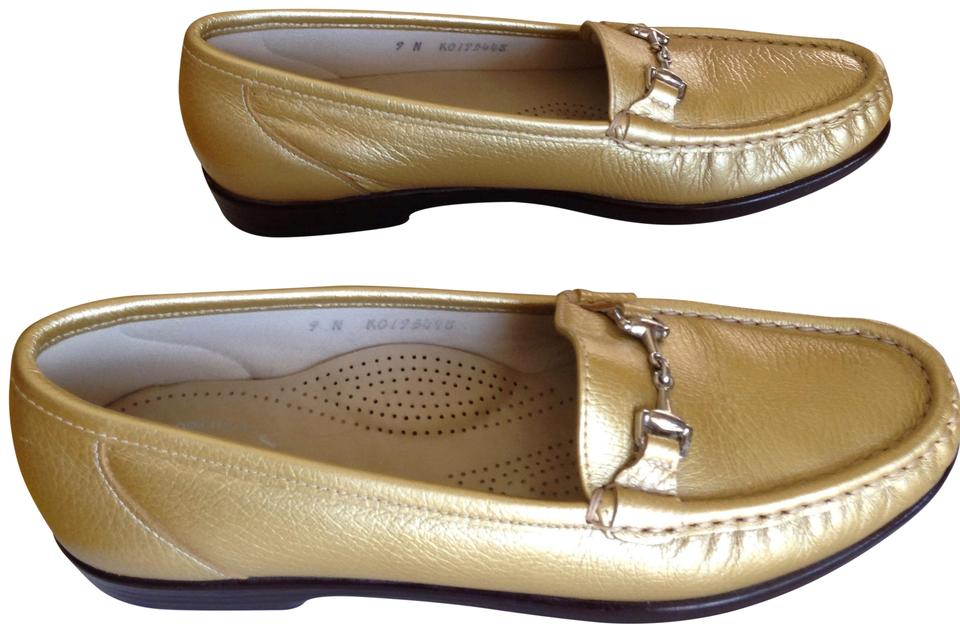 81507cb002a Gold Tripad Comfort Foot Bed Loufers Flats. Size  US 9 Narrow (AA ...