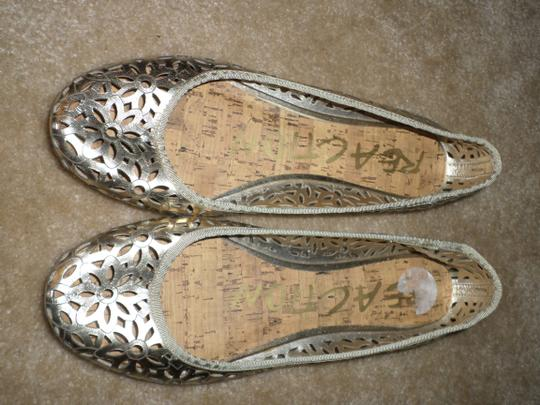 Kenneth Cole Reaction Flowered Gold Flats