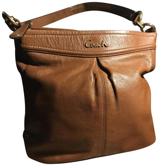 Preload https://img-static.tradesy.com/item/22505959/coach-in-great-condition-camel-leather-hobo-bag-0-1-540-540.jpg