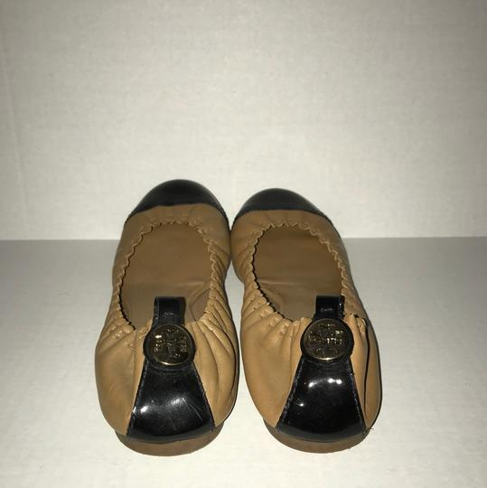 Tory Burch tan/black Flats
