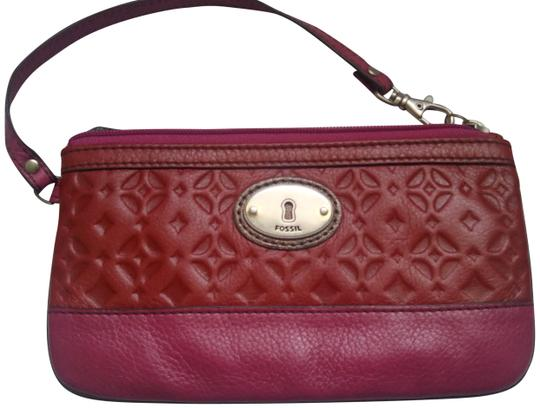 Preload https://img-static.tradesy.com/item/22506198/fossil-new-rare-claret-maddox-large-red-pink-leather-wristlet-0-1-540-540.jpg