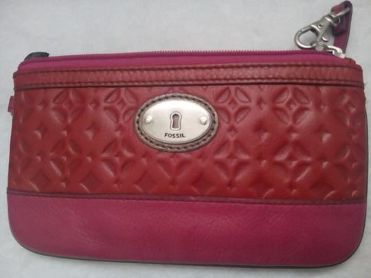 Fossil Shoulder Crossbody Hobo Purse Phone Tech Wristlet in Red Pink