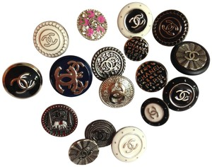 Chanel 17 mix lot Chanel CC Logo buttons