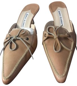 Manolo Blahnik Kitten Heel Pointed Bow Slides Brown Mules