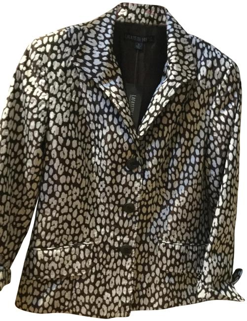 Preload https://item5.tradesy.com/images/lafayette-148-new-york-brown-and-white-print-and-two-pocket-design-jacket-pant-suit-size-4-s-22506384-0-1.jpg?width=400&height=650