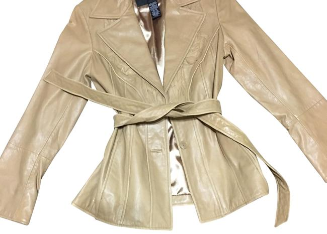 Preload https://item1.tradesy.com/images/guess-beige-leather-coat-with-detail-blazer-size-0-xs-22506530-0-1.jpg?width=400&height=650