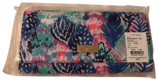 Preload https://img-static.tradesy.com/item/22506555/lilly-pulitzer-quill-out-travel-wallet-0-1-540-540.jpg
