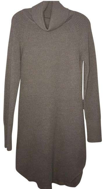 Preload https://img-static.tradesy.com/item/22506674/wilfred-gray-sweater-mid-length-short-casual-dress-size-2-xs-0-1-650-650.jpg