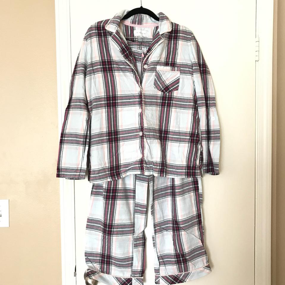 Victoria 39 s secret 2 pairs of pajamas button down top size for Victoria secret button down shirt