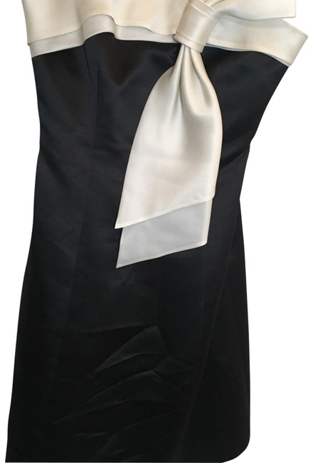 Preload https://item1.tradesy.com/images/ralph-lauren-black-and-ivory-mid-length-formal-dress-size-2-xs-22506785-0-1.jpg?width=400&height=650