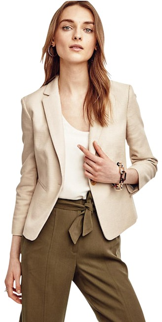 Preload https://item5.tradesy.com/images/ann-taylor-blush-textured-single-button-blazer-size-0-xs-22506829-0-1.jpg?width=400&height=650