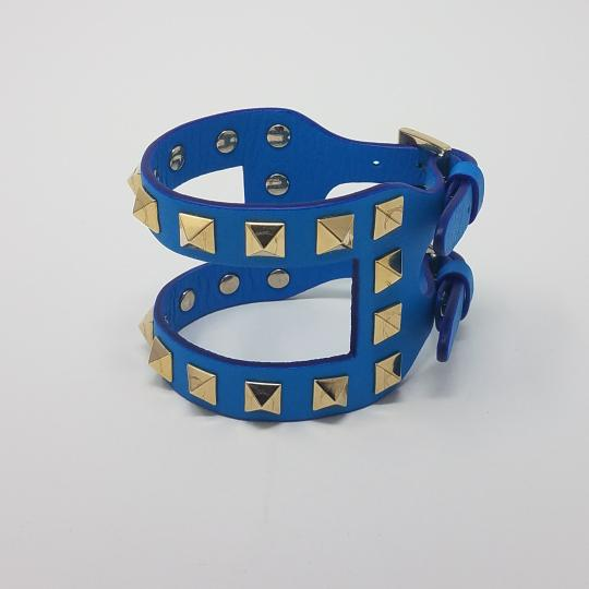 Valentino Gold-tone Valentino Rockstud open bracelet in blue leather
