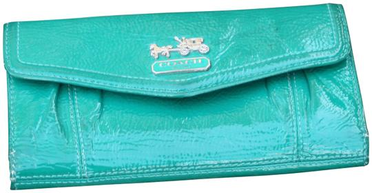 Preload https://item1.tradesy.com/images/coach-green-patent-leather-wallet-22507375-0-1.jpg?width=440&height=440