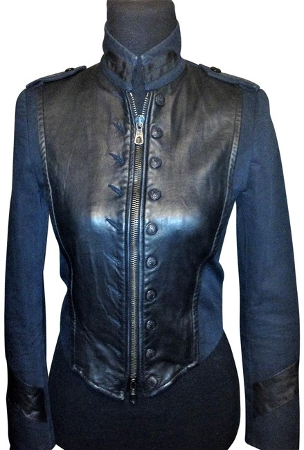 Preload https://img-static.tradesy.com/item/22507435/rag-and-bone-black-leather-front-miltary-double-zip-crop-size-2-xs-0-2-650-650.jpg