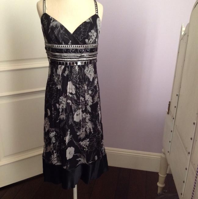 Preload https://item2.tradesy.com/images/laundry-by-shelli-segal-black-ivory-silver-and-silk-floral-mid-length-cocktail-dress-size-6-s-22507806-0-0.jpg?width=400&height=650