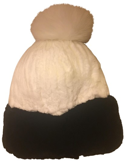 Preload https://item2.tradesy.com/images/black-and-white-beanie-hat-22507871-0-2.jpg?width=440&height=440