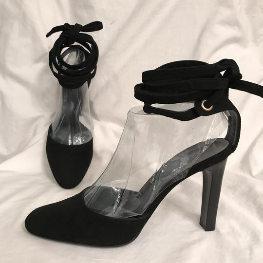Preload https://item2.tradesy.com/images/gucci-black-new-suede-ankle-wrap-straps-pumps-size-us-9-regular-m-b-22507946-0-0.jpg?width=440&height=440