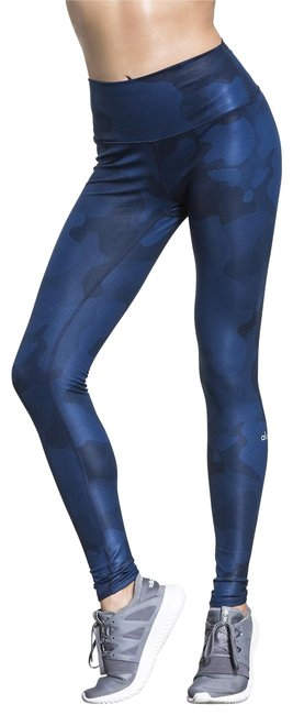 Preload https://item1.tradesy.com/images/alo-blue-yoga-airbrush-in-navy-camo-activewear-leggings-size-2-xs-26-22508055-0-1.jpg?width=400&height=650