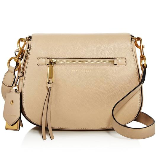 Preload https://img-static.tradesy.com/item/22508352/marc-jacobs-gotham-city-saddle-beige-leather-cross-body-bag-0-0-540-540.jpg