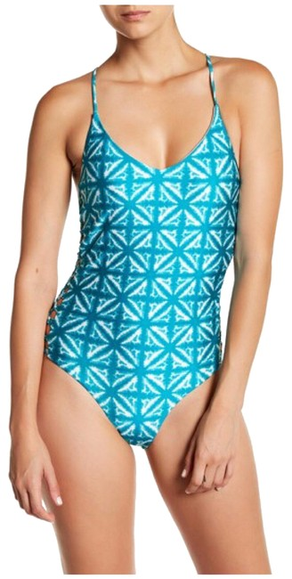 Preload https://img-static.tradesy.com/item/22508626/amuse-society-turquoise-alyssa-tie-dye-one-piece-s-one-piece-bathing-suit-size-4-s-0-4-650-650.jpg