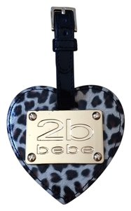 bebe 2b bebe Leopard Heart Shaped luggage tag