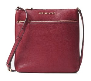 80ffe7abe1c9 Added to Shopping Bag. Michael Kors Cross Body Bag. Michael Kors Riley  Small Flat ...