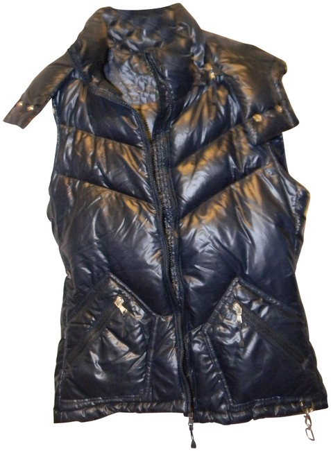 Preload https://img-static.tradesy.com/item/22509265/jcrew-navy-80-down-waterfowl-feather-filled-quilted-glazed-vest-size-10-m-0-1-650-650.jpg