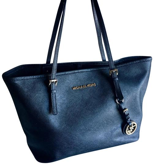 Preload https://img-static.tradesy.com/item/22509658/michael-kors-mk-black-saffiano-leather-tote-0-1-540-540.jpg
