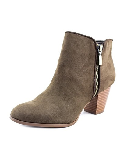 Preload https://img-static.tradesy.com/item/22510041/style-and-co-dark-green-jamila-zip-olive-bootsbooties-size-us-85-regular-m-b-0-0-540-540.jpg