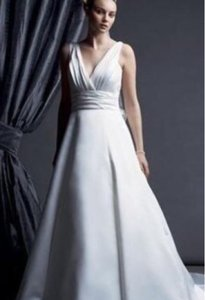 Designer clothing and accessories up to 90 off at tradesy oleg cassini bridal ivory cd278 formal wedding dress size 8 m junglespirit Gallery