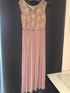 David's Bridal Rose Gold Polyester Rayon Nylon Long with Lace Bodice F19328 Formal Bridesmaid/Mob Dress Size 6 (S)