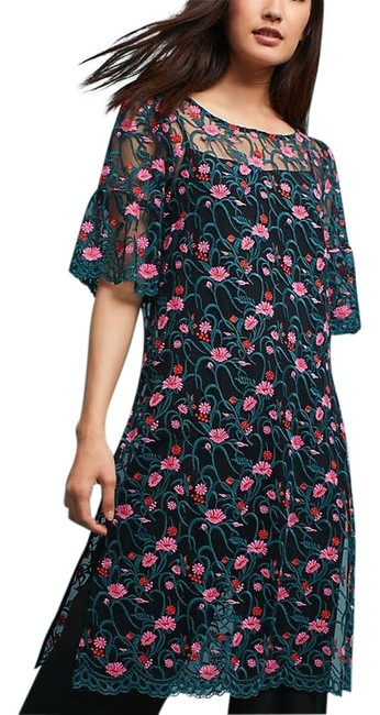 Item - Green Floral Embroidered Mesh Tunic Size 6 (S)