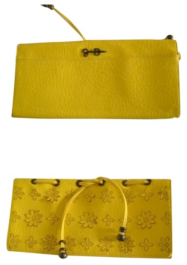 Preload https://item3.tradesy.com/images/jessica-simpson-clutch-2251152-0-0.jpg?width=440&height=440