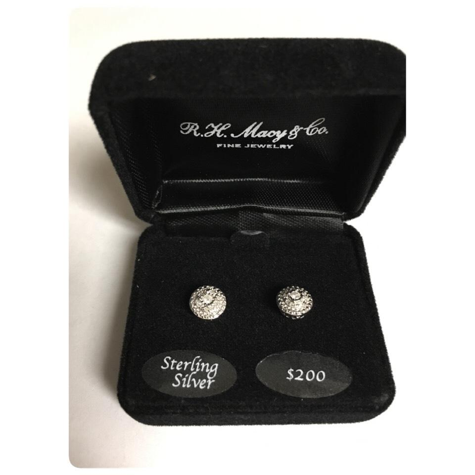 Macy S Nwt Diamond Stud Earrings 1 10 Tcw
