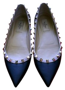 Valentino Flats on Sale - Up to 70% off at Tradesy