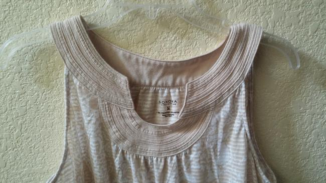 Sonoma Top Beige and white