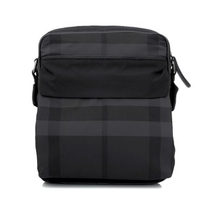 c3cc1c7c2448 Black Burberry Bags - Up to 90% off at Tradesy