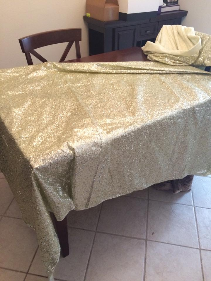 Ivory Champagne 2 120 Round Sequin Tablecloth