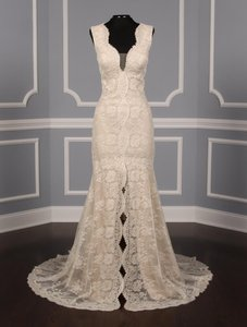 Monique Lhuillier Ivory with / Nude Underlay Chantilly Lace Paloma Formal Wedding Dress Size 10 (M)