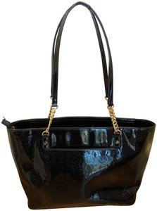 521a9e5adf12 Michael Kors Mk Signature Patent Leather Jet Set Chain Embossed Tote in  BLACK