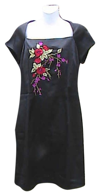 Item - Black Embroidered Flower Above Knee Short Casual Dress Size 10 (M)